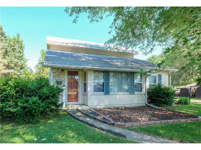 Pleasant Hill Single Family Home For Sale: 2745 SE 68th Street