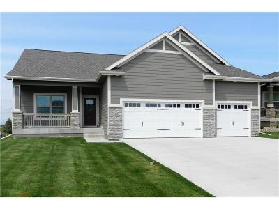 Waukee Condo/Townhouse For Sale: 403 NE Brookridge Circle