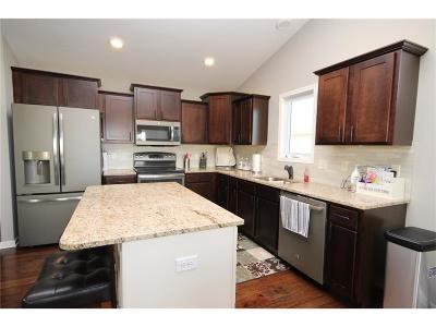 Bondurant Single Family Home For Sale: 210 6th Street NW