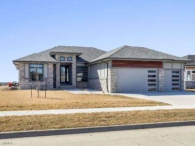 Urbandale Single Family Home For Sale: 5506 149th Street