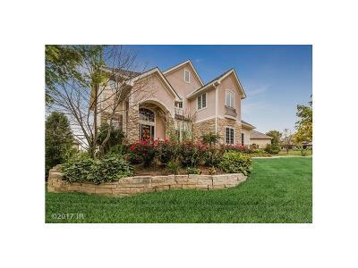 West Des Moines Single Family Home For Sale: 5569 Glen Oaks Point