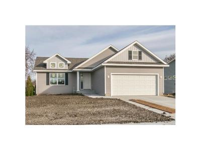 Altoona Single Family Home For Sale: 137 15th Avenue NW