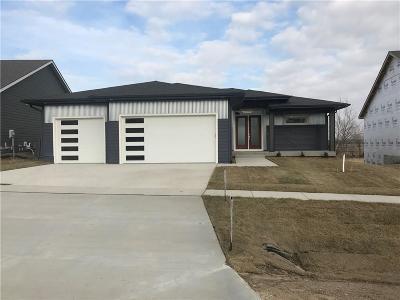 Johnston Single Family Home For Sale: 9933 Marnewood Drive