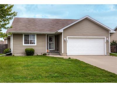 Waukee Single Family Home For Sale: 870 SE Westgate Drive