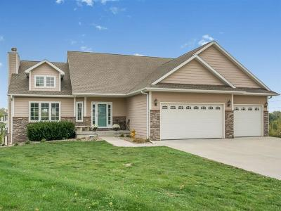 Des Moines Single Family Home For Sale: 4000 Lakeland Court