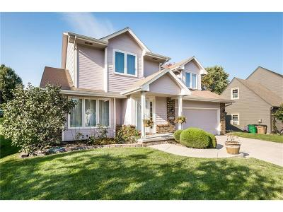 West Des Moines Single Family Home For Sale: 4903 Waterford Drive