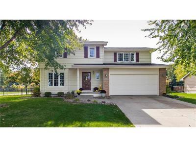 Johnston Single Family Home For Sale: 9100 Longview Drive