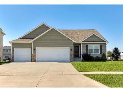 Waukee Single Family Home For Sale: 2410 Stone Prairie Drive