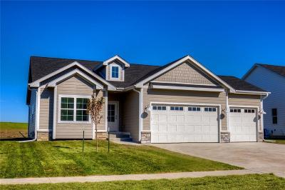 Altoona Single Family Home For Sale: 627 35th Street SW