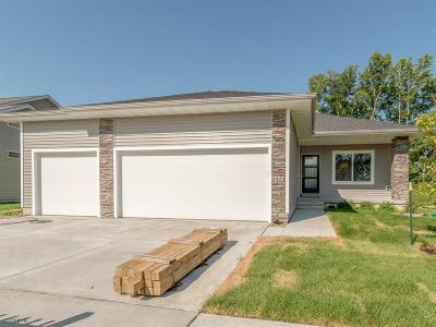Des Moines Single Family Home For Sale: 6404 NE 8th Court