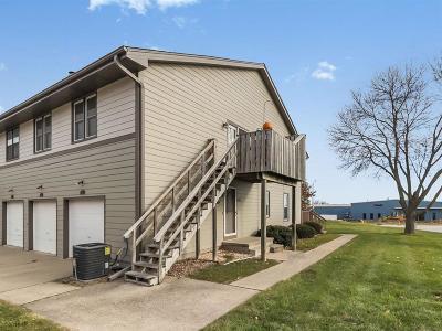 West Des Moines Condo/Townhouse For Sale: 2301 Heatherwood Drive #16