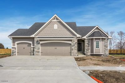 Norwalk Single Family Home For Sale: 1608 Timberview Drive