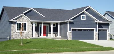 Waukee Single Family Home For Sale: 555 SE Red Fern Drive