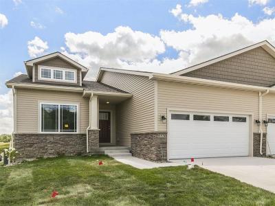 West Des Moines Condo/Townhouse For Sale: 9330 Primo Lane