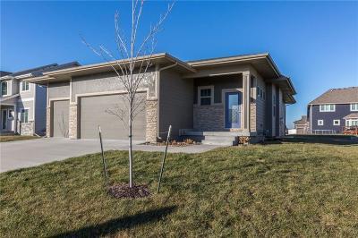 Waukee Single Family Home For Sale: 735 NE Bowman Drive