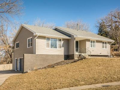 Des Moines Single Family Home For Sale: 3211 Wolcott Avenue