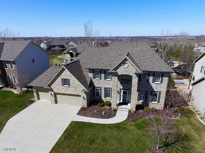Urbandale Single Family Home For Sale: 15015 Maple Drive
