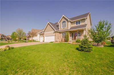 Urbandale Single Family Home For Sale: 12409 Ridgemont Drive