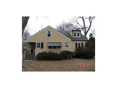 West Des Moines Single Family Home For Sale: 517 Valhigh Road