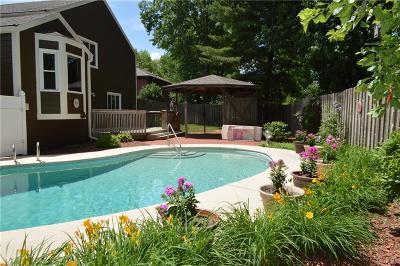 West Des Moines Single Family Home For Sale: 3701 Aspen Drive