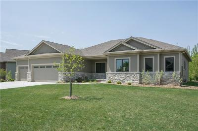 Urbandale Single Family Home For Sale: 14911 Brookview Drive