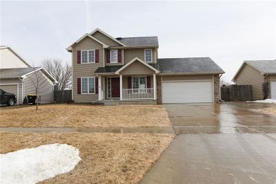 Waukee Single Family Home For Sale: 555 SE Cardinal Lane