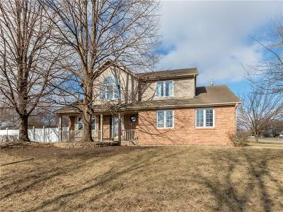 Urbandale Single Family Home For Sale: 4600 Parkview Drive
