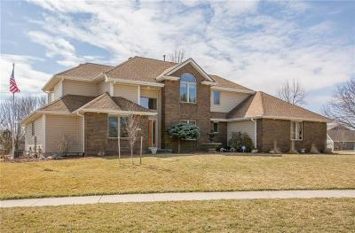 Altoona Single Family Home For Sale: 2206 Timberline Lane