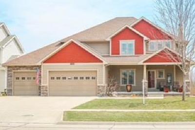 Waukee Single Family Home For Sale: 455 SE Greenbriar Circle