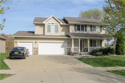 Des Moines Single Family Home For Sale: 3607 Brook Run Drive