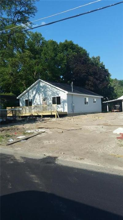 Des Moines Single Family Home For Sale: 2121 E 39th Court