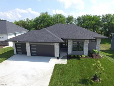 Urbandale Single Family Home For Sale: 14508 Sutton Drive