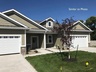 Waukee Condo/Townhouse For Sale: 1598 SE Blackthorne Drive