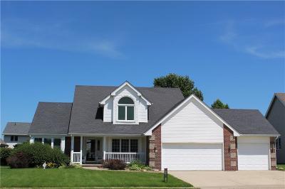 Altoona Single Family Home For Sale: 949 Falcon Drive SE