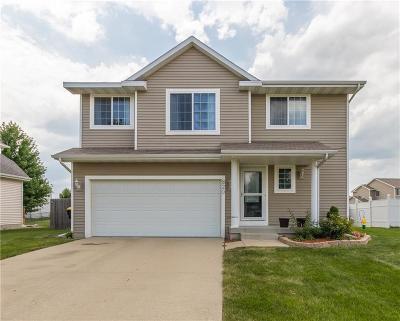 Waukee Single Family Home For Sale: 820 SE Harper Drive