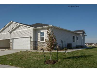 Altoona Condo/Townhouse For Sale: 1503 Indigo Drive SE