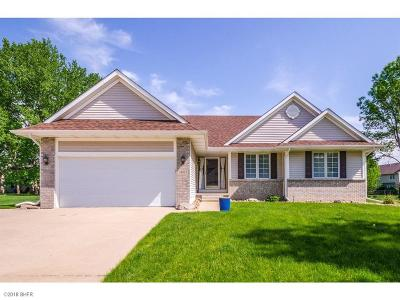 Urbandale Single Family Home For Sale: 14011 Briarwood Lane