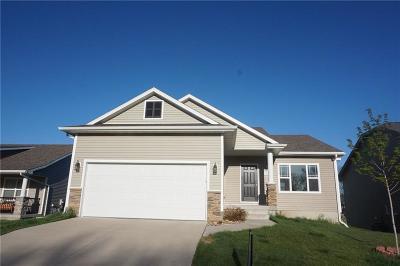 Waukee Single Family Home For Sale: 1560 SE Oxford Drive