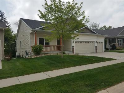Waukee Single Family Home For Sale: 1545 SE Oxford Drive