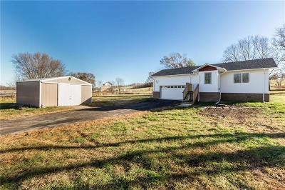 Van Meter Single Family Home For Sale: 2680 Cumming Road