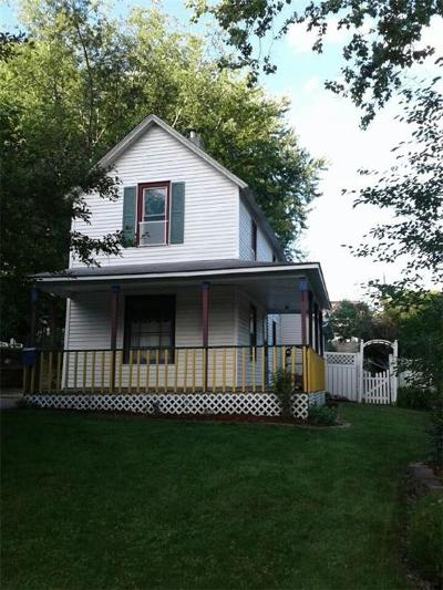 Des Moines Single Family Home For Sale: 663 38th Street