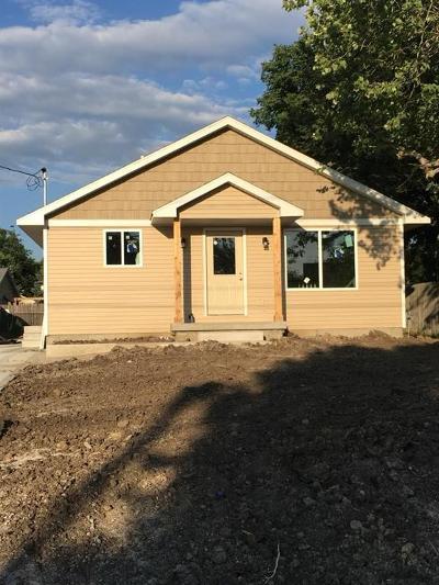 Des Moines Single Family Home For Sale: 2335 Capitol Avenue