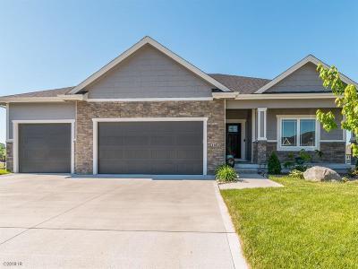 Ankeny Single Family Home For Sale: 1602 NE Vicksburg Court