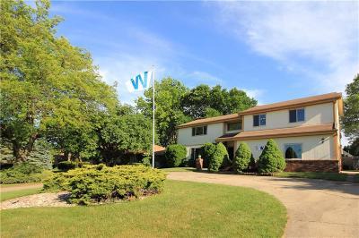 West Des Moines Single Family Home For Sale: 3608 Ashworth Road