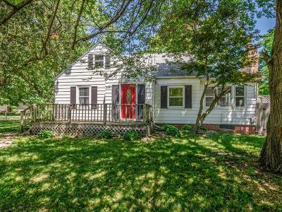 Urbandale Single Family Home For Sale: 6745 Townsend Avenue