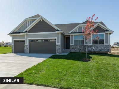 Waukee Single Family Home For Sale: 535 SE Tallgrass Lane