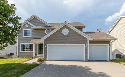 Waukee Single Family Home For Sale: 695 SE Wood Creek Drive