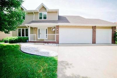 West Des Moines IA Single Family Home For Sale: $335,000