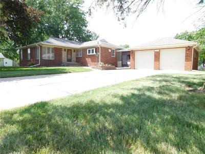 Pleasant Hill Single Family Home For Sale: 5200 E Oakwood Drive
