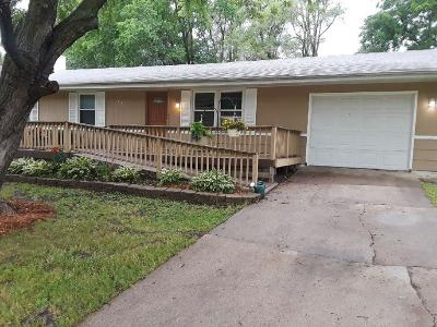 Norwalk Single Family Home For Sale: 819 Redwood Drive